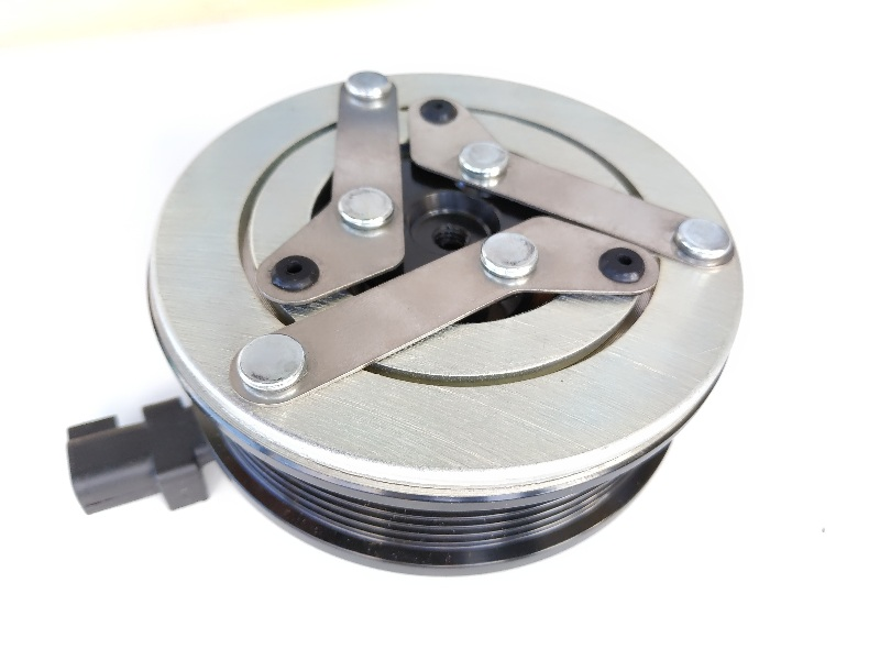 Муфта компрессора кондиционера  Ford Focus III  2011-